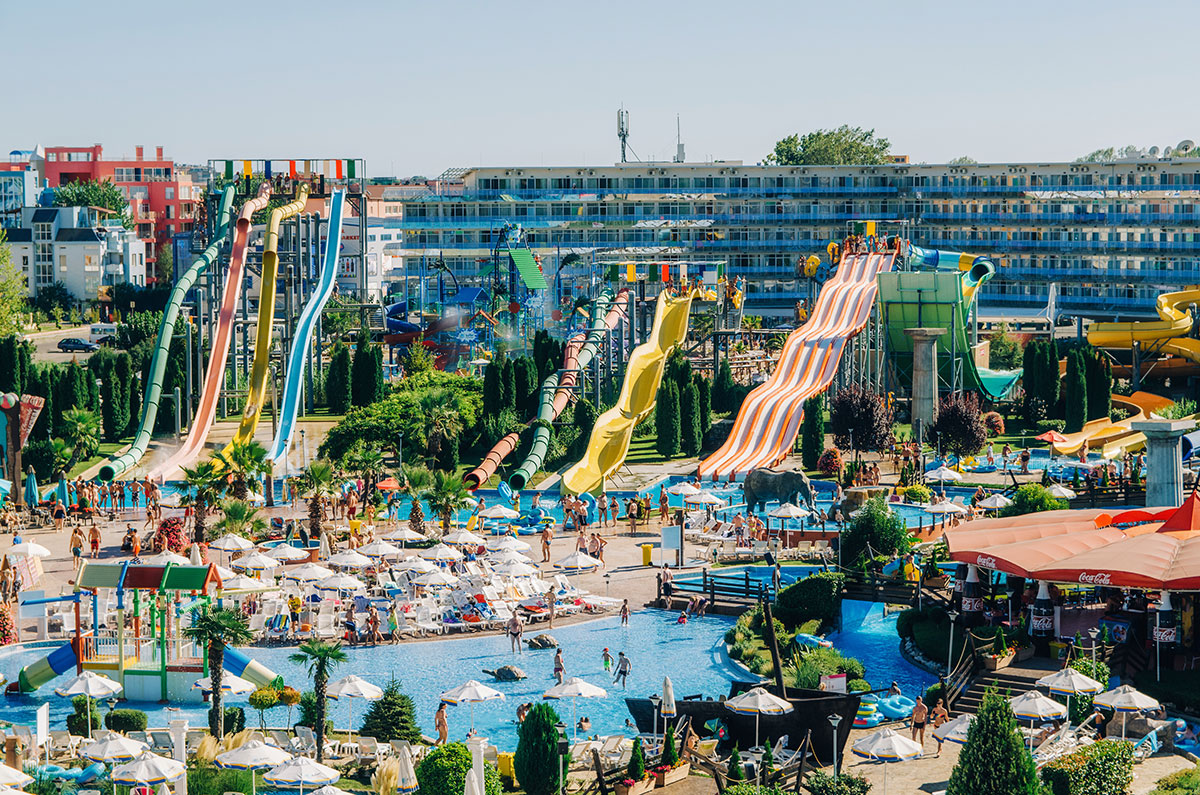 Family Vacation Packages, Hotel Deals, Waterpark Coupons, Stay & Play Discounts - find it all your Wisconsin Dells Deals right here. Here's a tip: search Packages or Deals by theme, options include Stay, Family Fun and Things to Do.