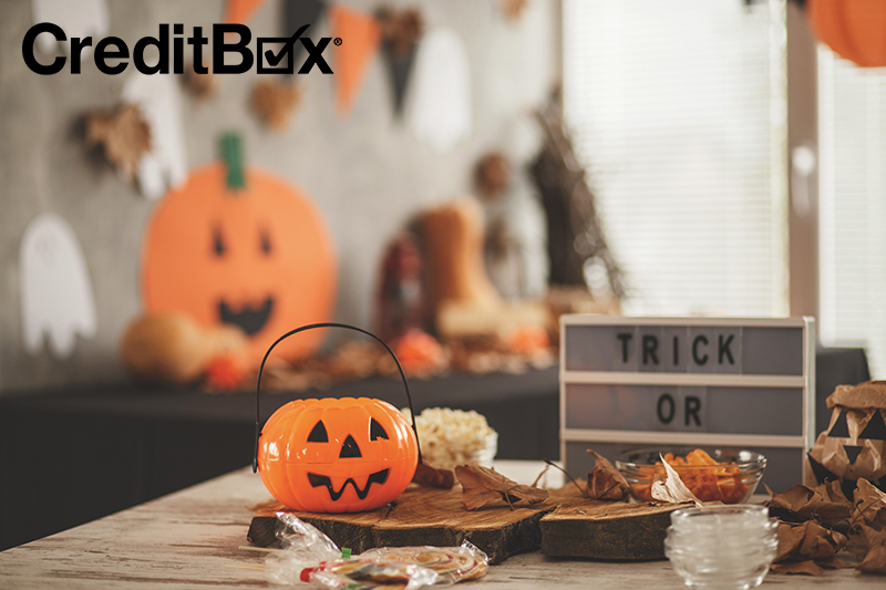 Save Money this Halloween by Throwing a Halloween Party on the Cheap